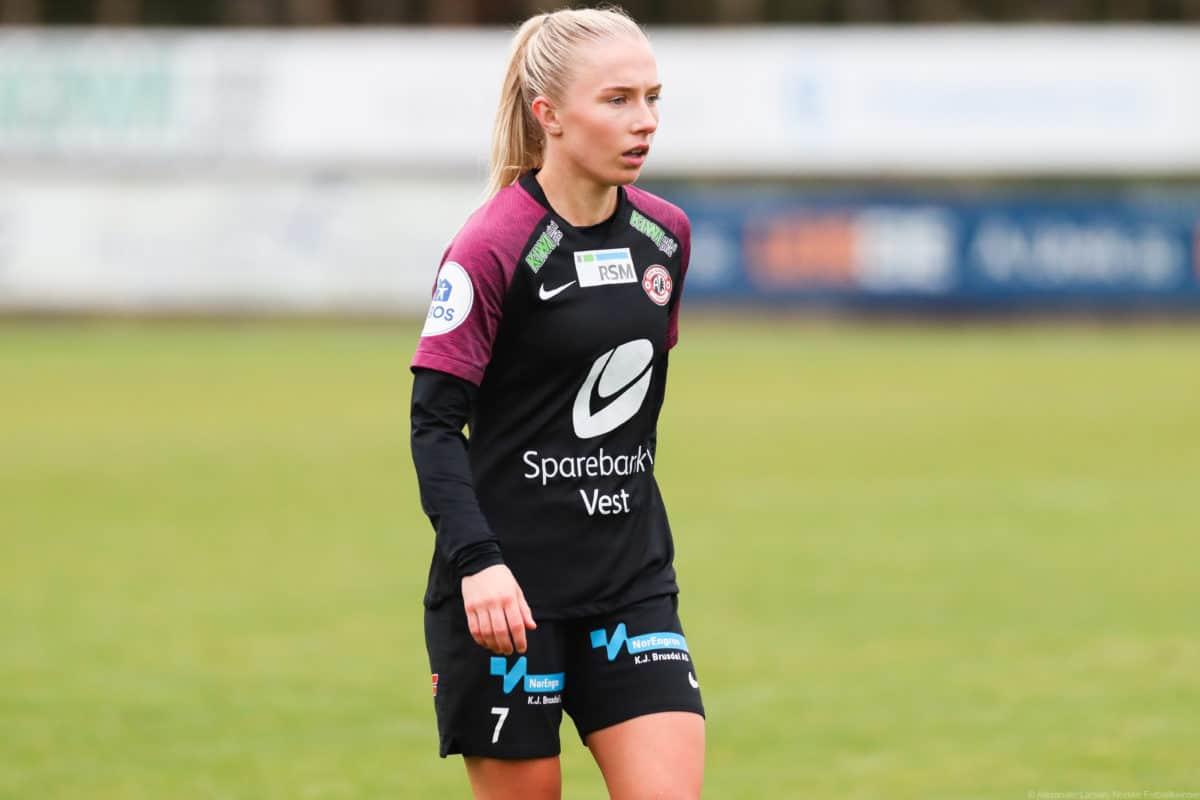 Thea Bjelde får det ærefulle oppdraget med å være kaptein i år.